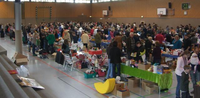 Kinderkleiderflohmarkt Hahn-Lehmden – die Aufnahme ist in Hahn-Lehmden bei Rastede im November 2010 aufgenommen worden.